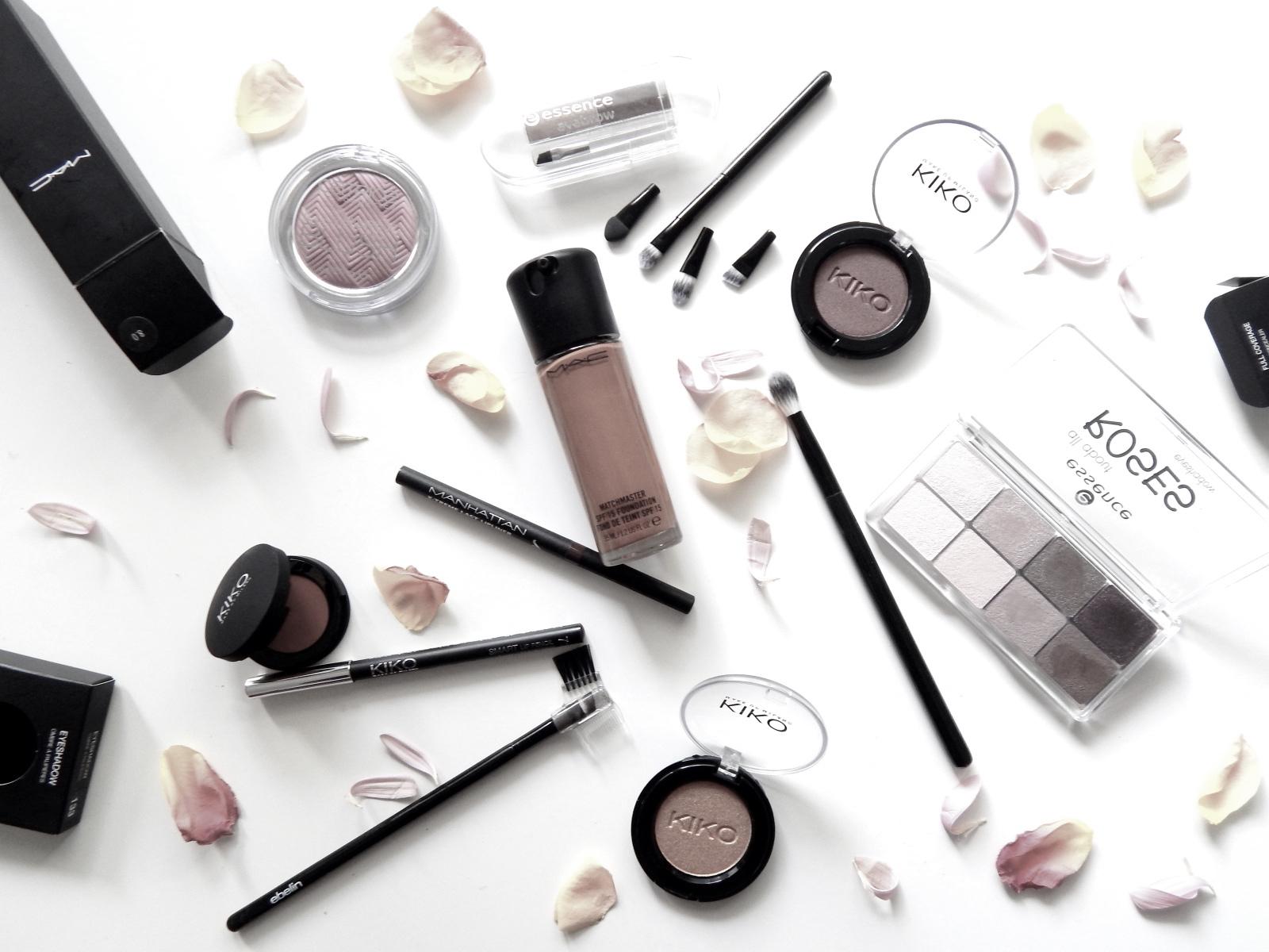 make up und co wir machen uns nur f r die m nner h bsch. Black Bedroom Furniture Sets. Home Design Ideas